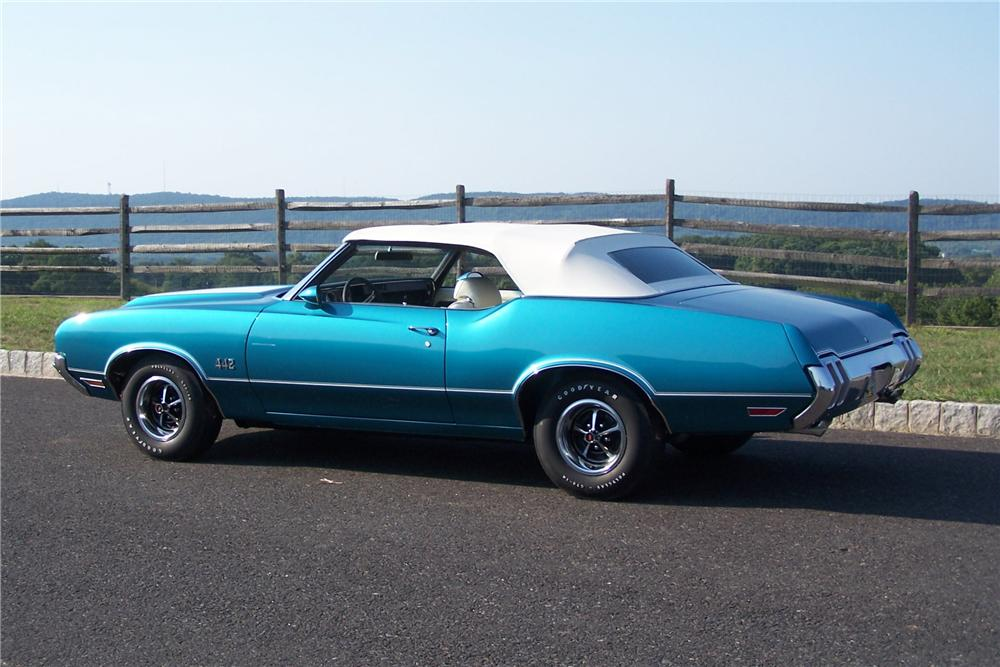 1970 OLDSMOBILE 442 CONVERTIBLE - Rear 3/4 - 133185