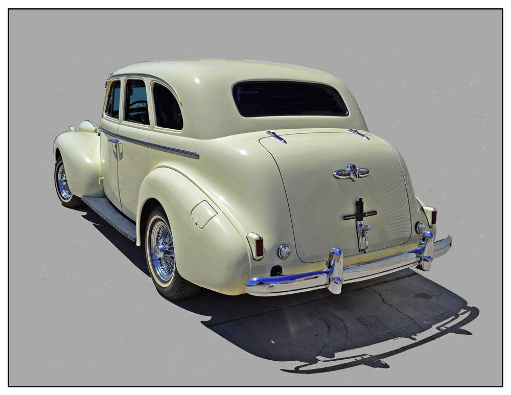 1939 BUICK SPECIAL 4 DOOR SEDAN - Rear 3/4 - 133189