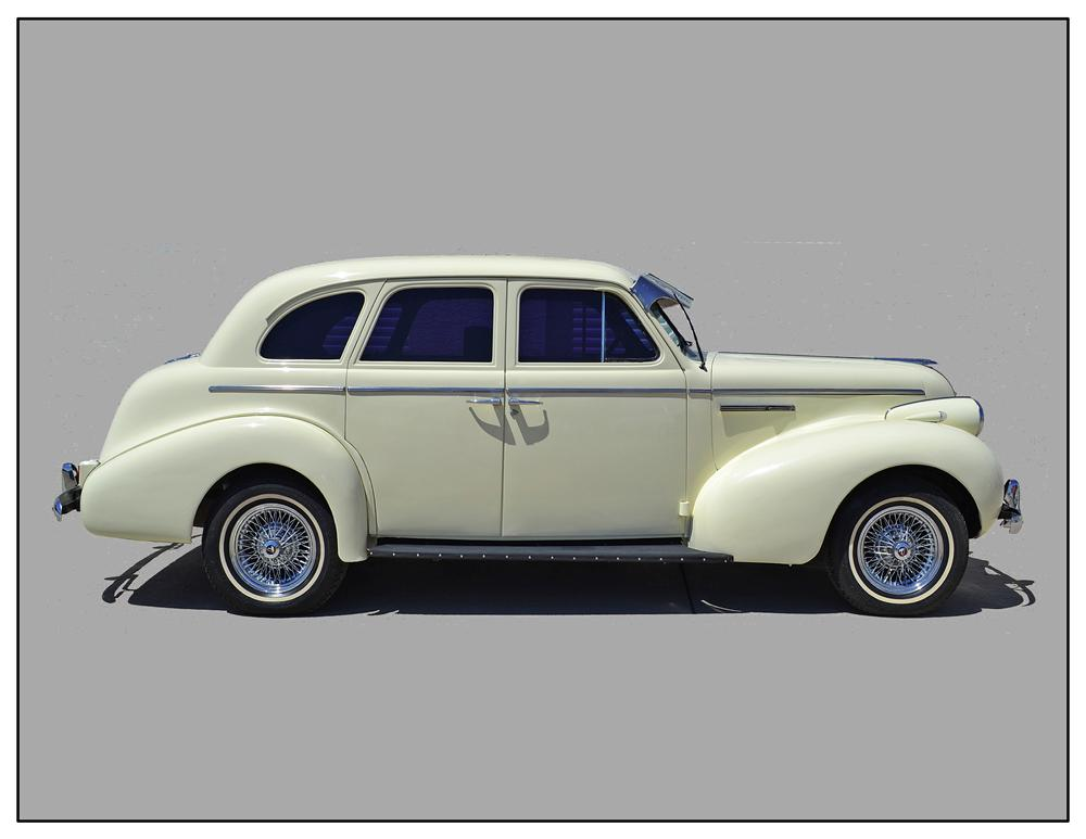 1939 BUICK SPECIAL 4 DOOR SEDAN - Side Profile - 133189