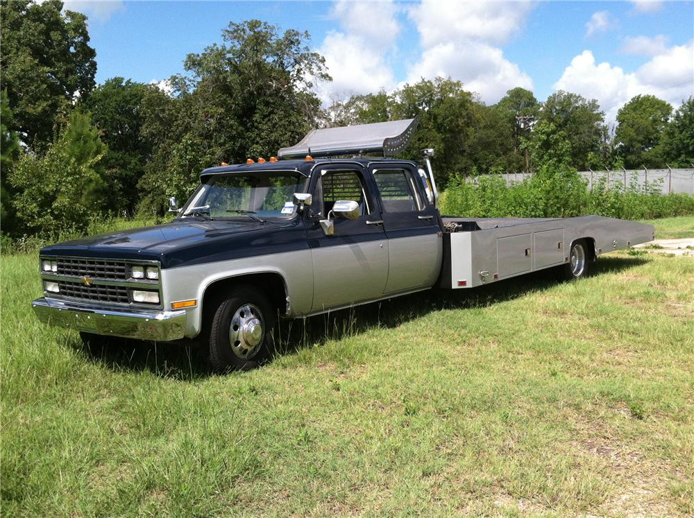 1990 CHEVROLET CUSTOM CAR HAULER - Front 3/4 - 133192
