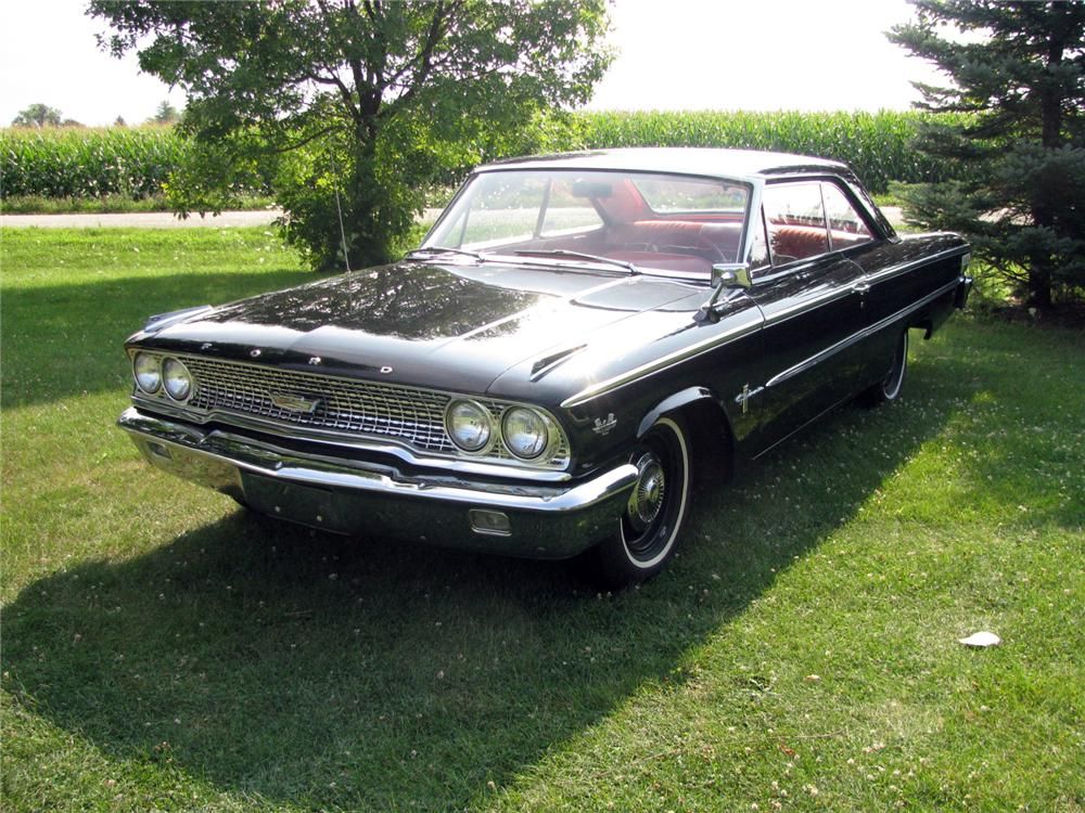 1963 FORD GALAXIE CUSTOM 2 DOOR HARDTOP - Front 3/4 - 133200