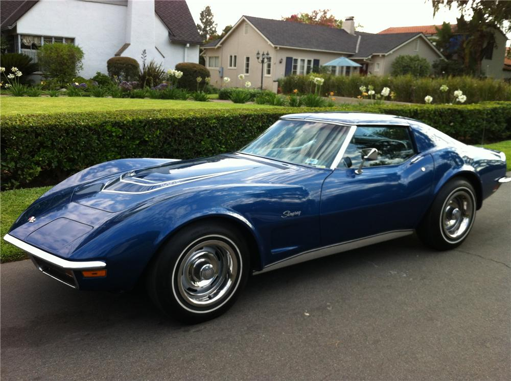 1972 CHEVROLET CORVETTE 2 DOOR COUPE - Front 3/4 - 133207
