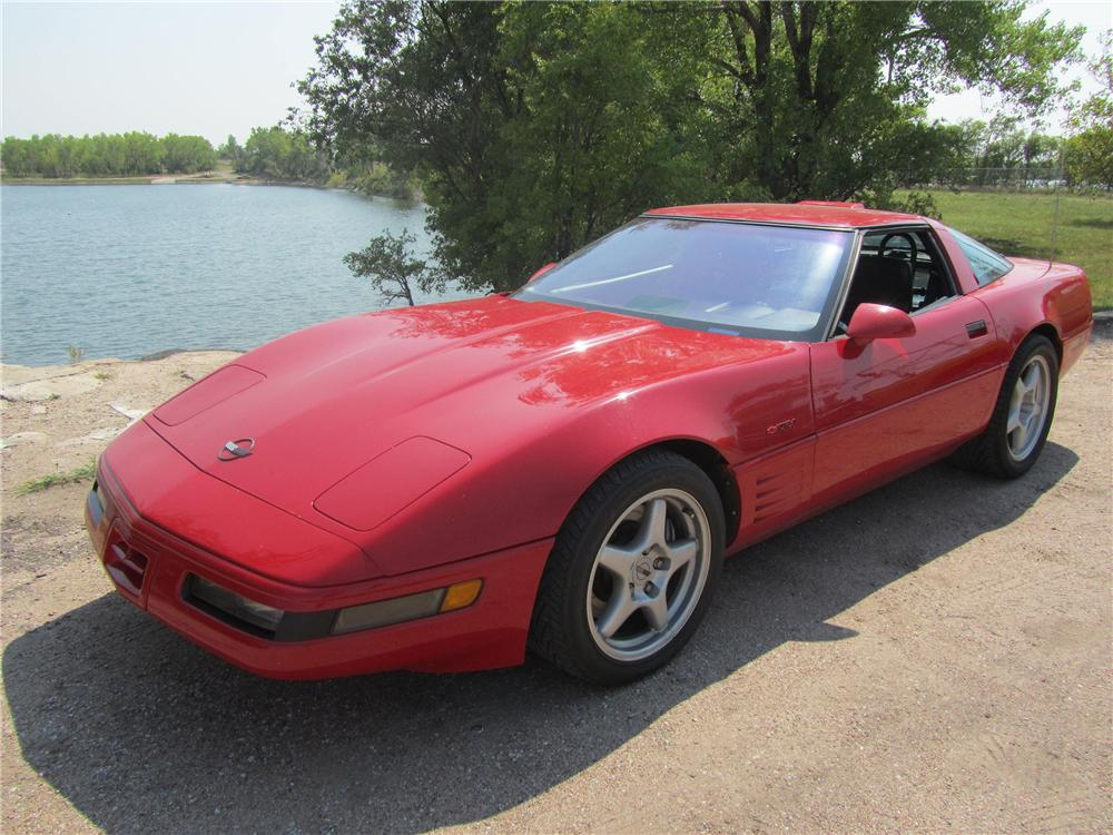 1991 CHEVROLET CORVETTE 2 DOOR COUPE - Front 3/4 - 133217