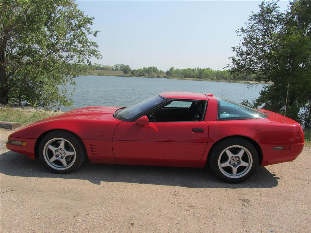 1991 CHEVROLET CORVETTE 2 DOOR COUPE - Side Profile - 133217