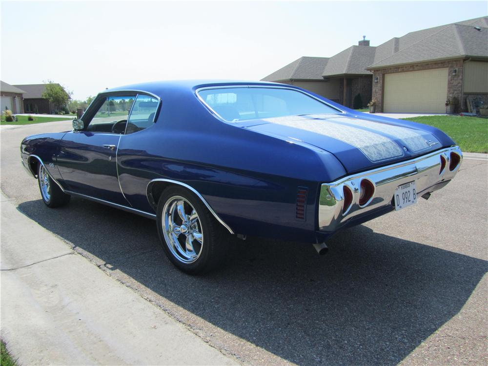 1972 CHEVROLET CHEVELLE CUSTOM 2 DOOR HARDTOP - Rear 3/4 - 133219