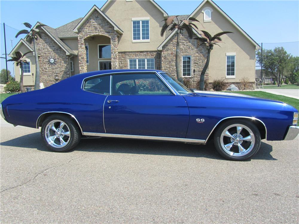 1972 CHEVROLET CHEVELLE CUSTOM 2 DOOR HARDTOP - Side Profile - 133219