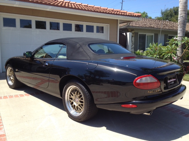 1999 JAGUAR XK8 CONVERTIBLE - Rear 3/4 - 133225