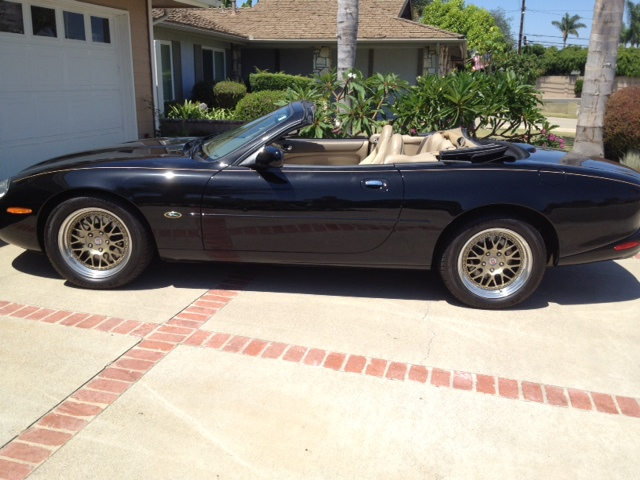 1999 JAGUAR XK8 CONVERTIBLE - Side Profile - 133225