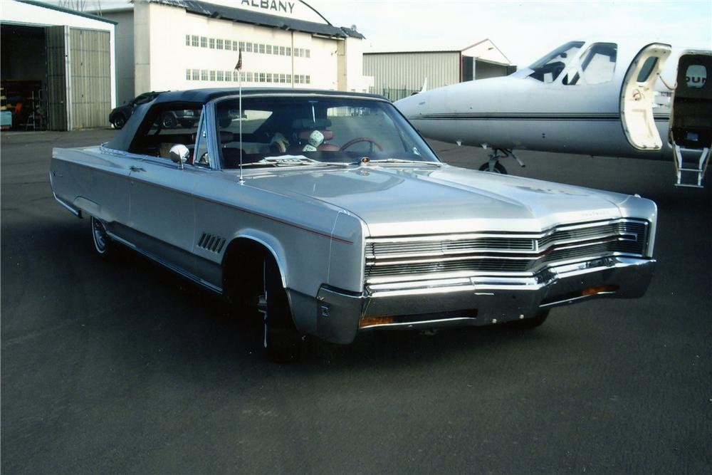 1968 CHRYSLER 300 CONVERTIBLE - Front 3/4 - 133501