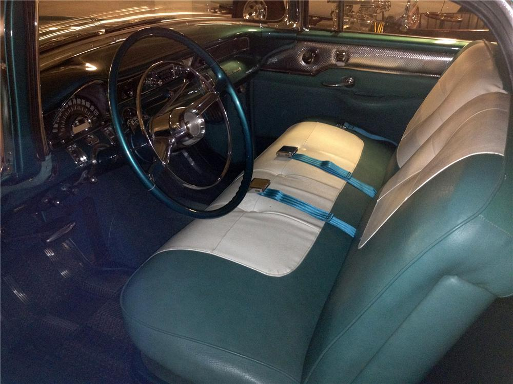 1955 PONTIAC STAR CHIEF STATION WAGON - Interior - 133505
