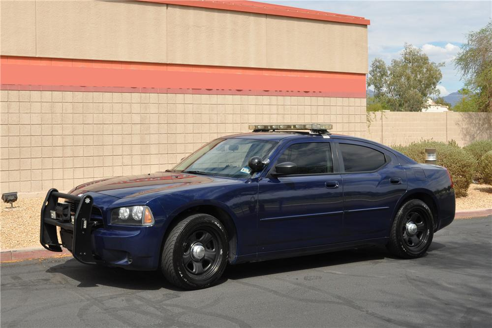 2007 DODGE CHARGER POLICE CAR - Front 3/4 - 133508