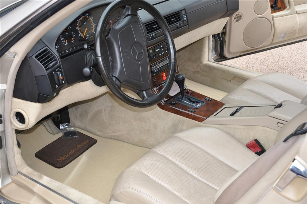 1992 MERCEDES-BENZ 500SL CONVERTIBLE - Interior - 133510
