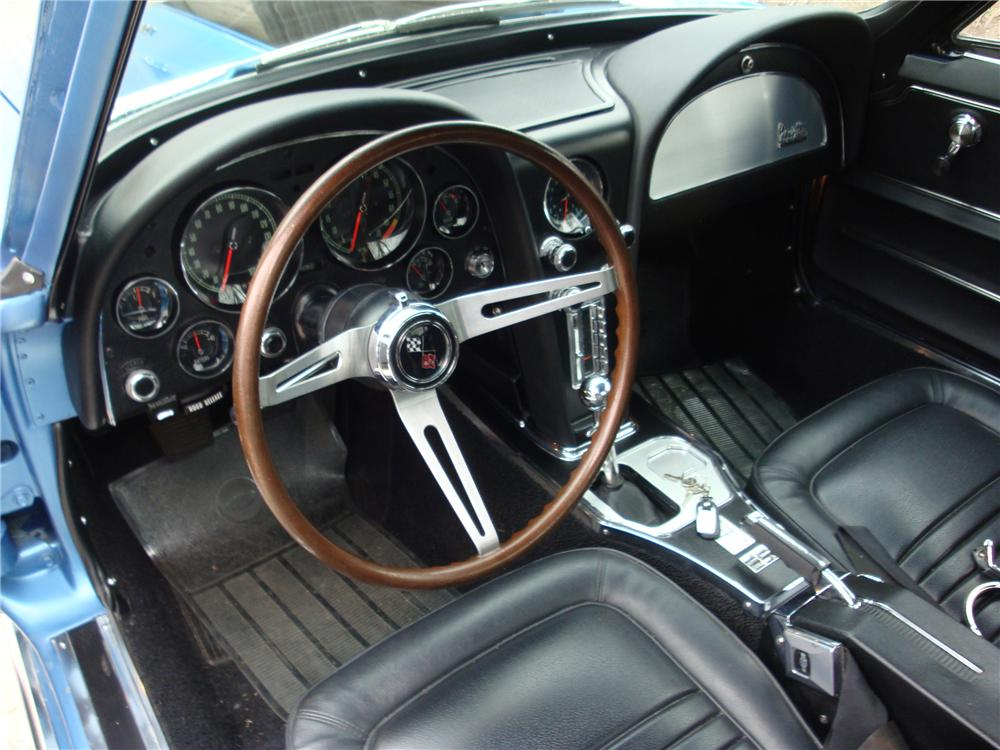 1967 CHEVROLET CORVETTE 2 DOOR COUPE - Interior - 133534