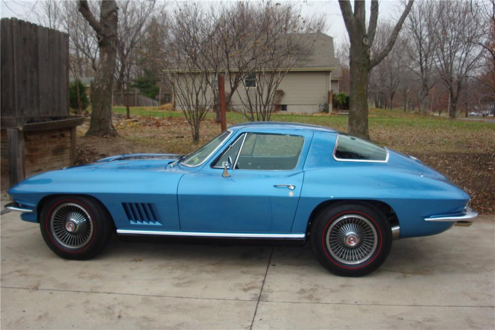 1967 CHEVROLET CORVETTE 2 DOOR COUPE - Side Profile - 133534
