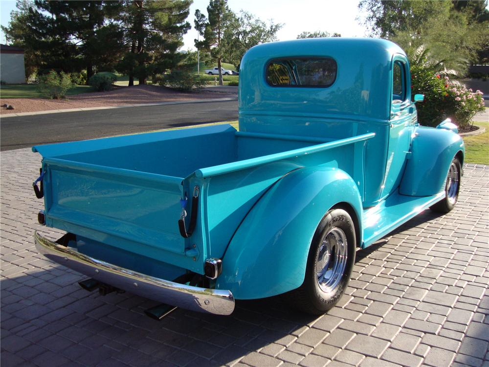 1946 CHEVROLET CUSTOM PICKUP - Rear 3/4 - 133539