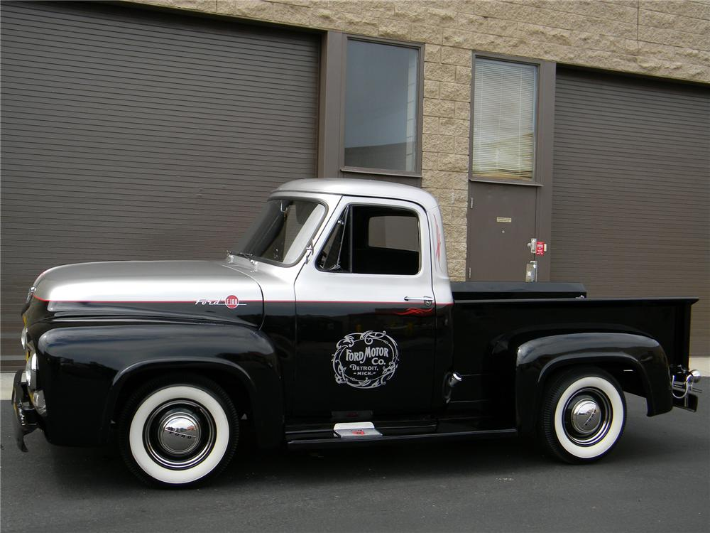 1955 FORD F-100 CUSTOM PICKUP - Rear 3/4 - 133547