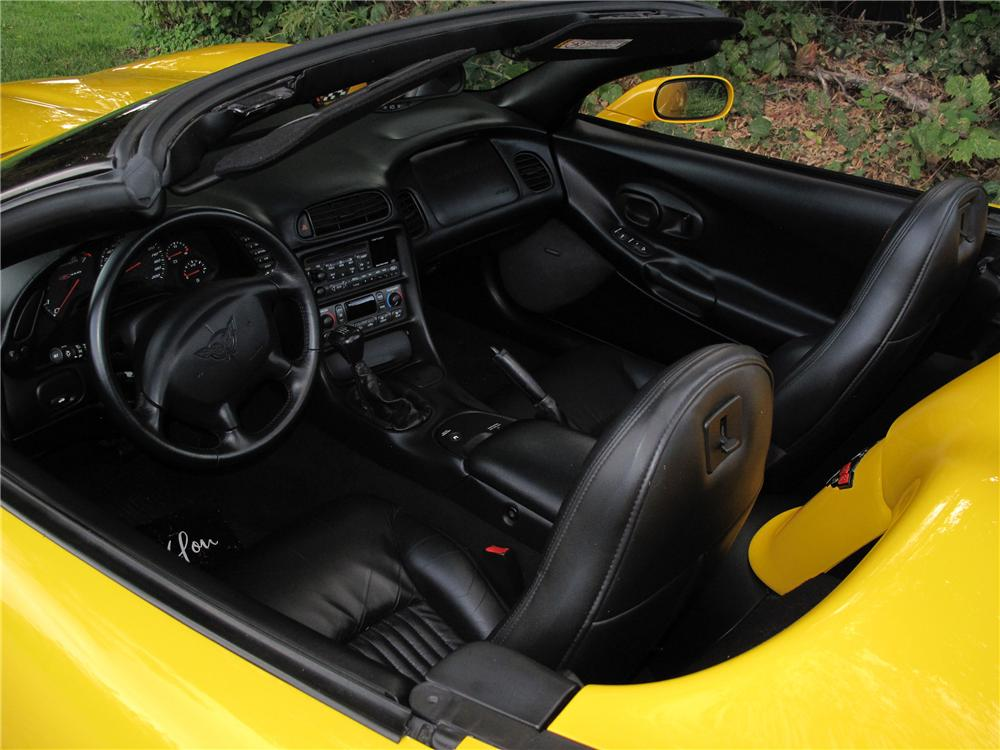 2001 CHEVROLET CORVETTE Z06 CUSTOM CONVERTIBLE - Interior - 133556