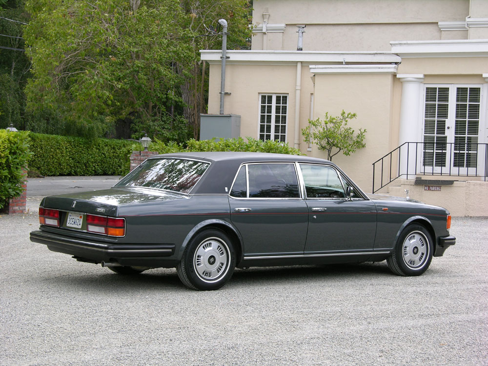 1988 ROLLS-ROYCE SILVER SPUR 4 DOOR SEDAN - Rear 3/4 - 133562