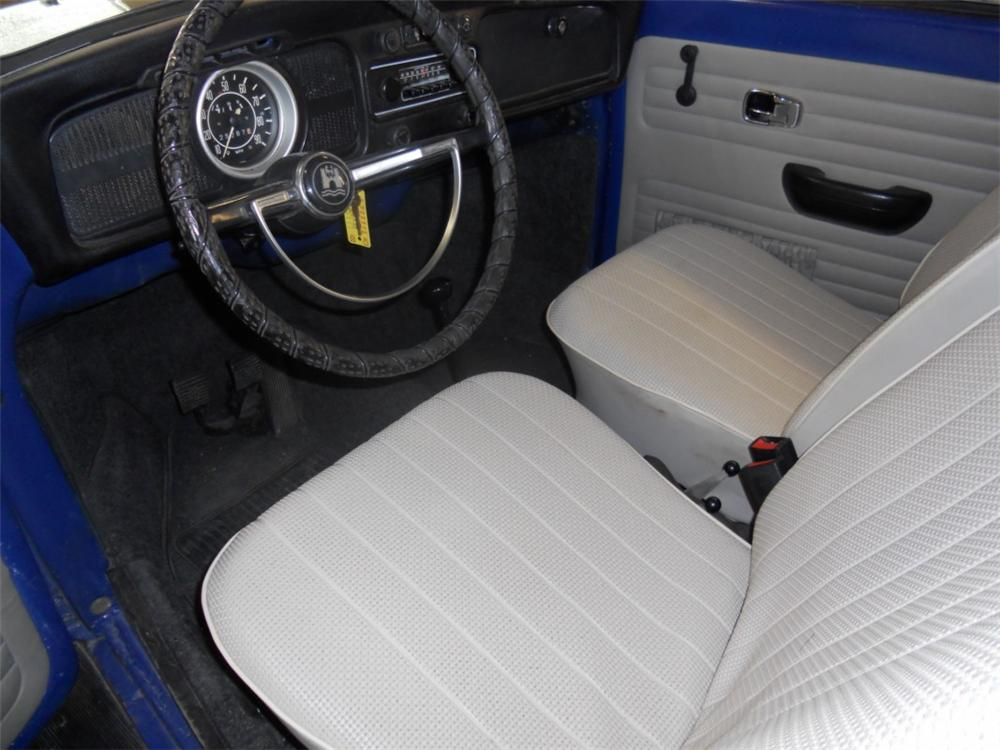 1971 VOLKSWAGEN BEETLE CONVERTIBLE - Interior - 133588