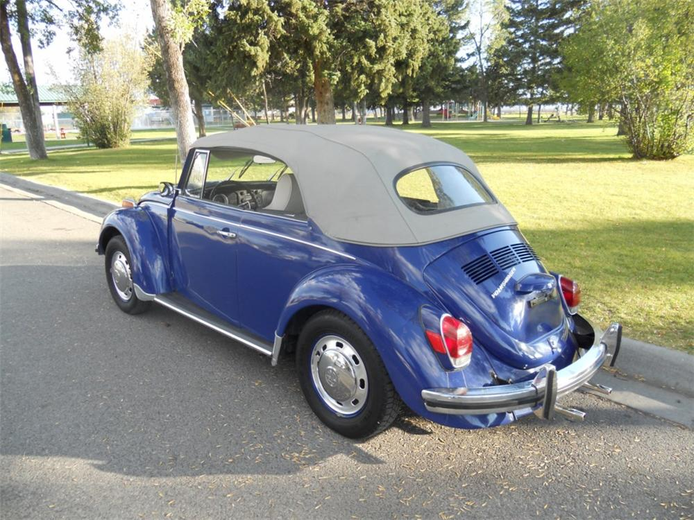 1971 VOLKSWAGEN BEETLE CONVERTIBLE - Rear 3/4 - 133588