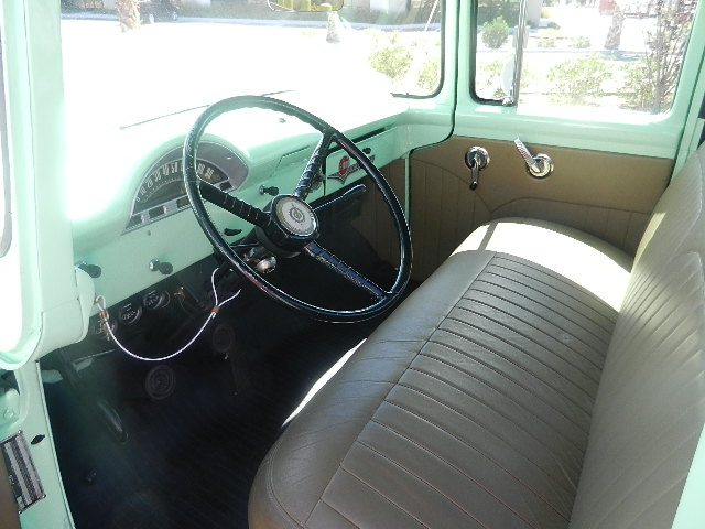 1956 FORD F-100 PICKUP - Interior - 133596
