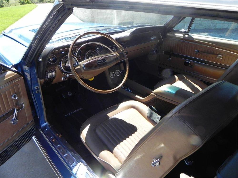 1968 SHELBY GT500 CONVERTIBLE - Interior - 133612