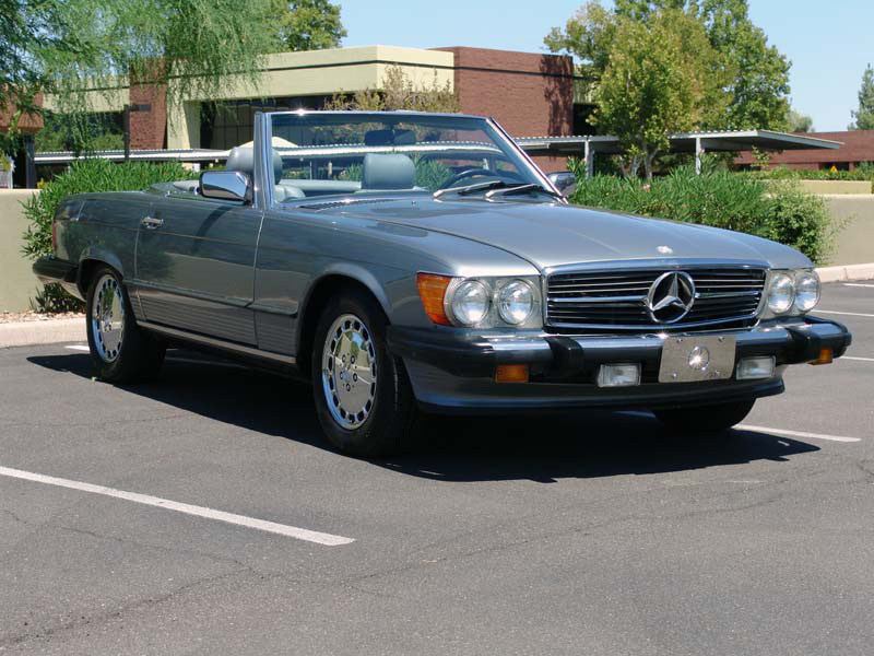 1987 MERCEDES-BENZ 560SL CONVERTIBLE - Front 3/4 - 133614