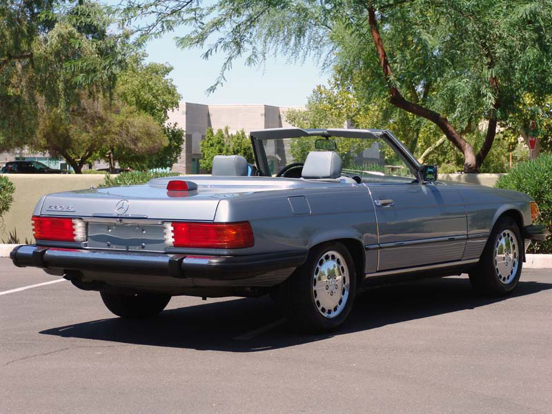 1987 MERCEDES-BENZ 560SL CONVERTIBLE - Rear 3/4 - 133614