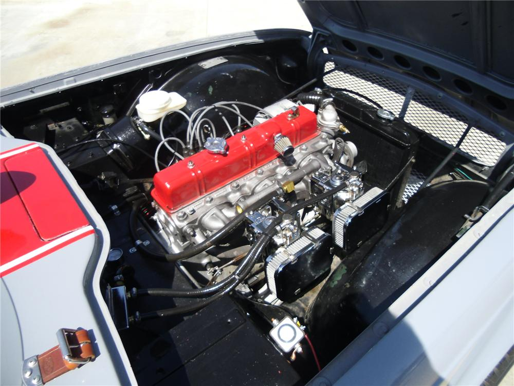 1969 TRIUMPH TR-6 CUSTOM CONVERTIBLE - Engine - 133685