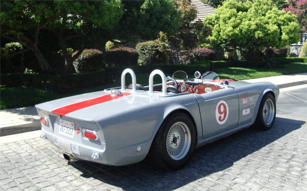 1969 TRIUMPH TR-6 CUSTOM CONVERTIBLE - Rear 3/4 - 133685