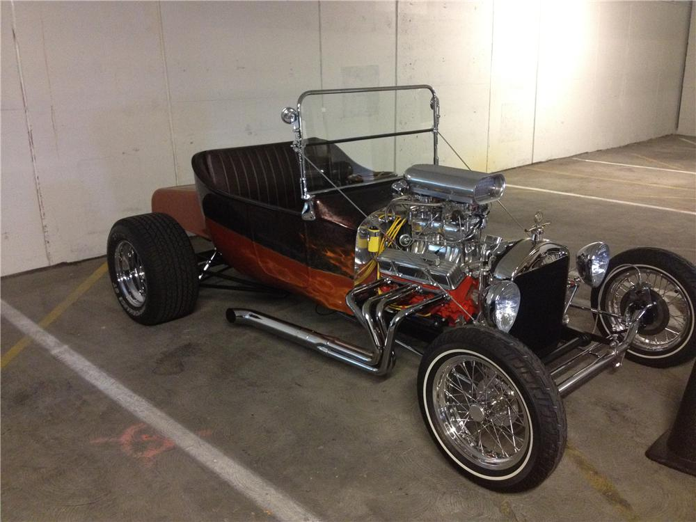 1923 FORD T-BUCKET CUSTOM ROADSTER - Front 3/4 - 133690