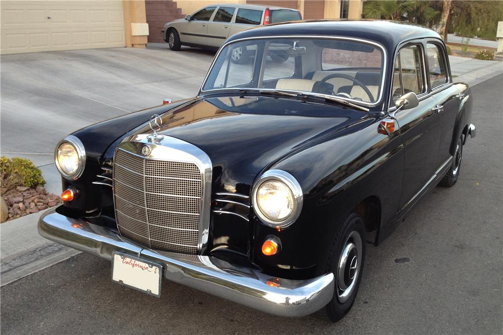 1961 MERCEDES-BENZ 190D 4 DOOR SEDAN - Front 3/4 - 135153