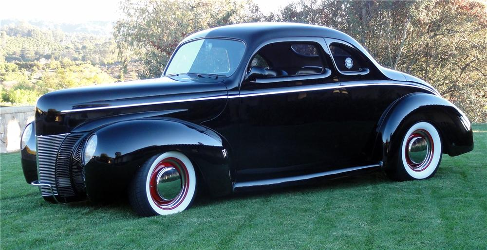 1940 FORD DELUXE CUSTOM 2 DOOR COUPE - Front 3/4 - 137536