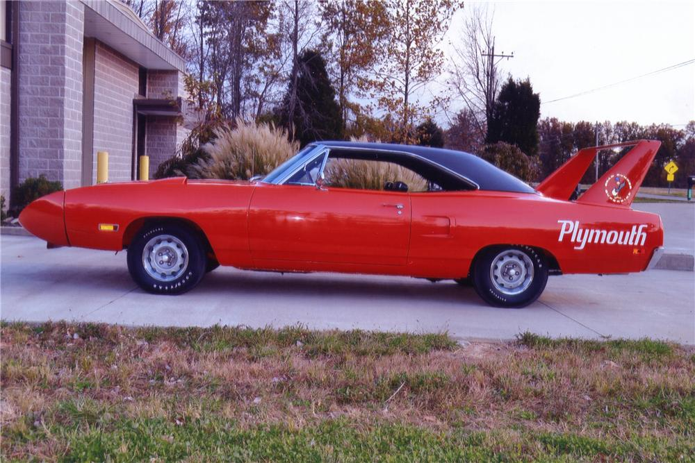 1970 PLYMOUTH SUPERBIRD 2 DOOR HARDTOP - Side Profile - 137547