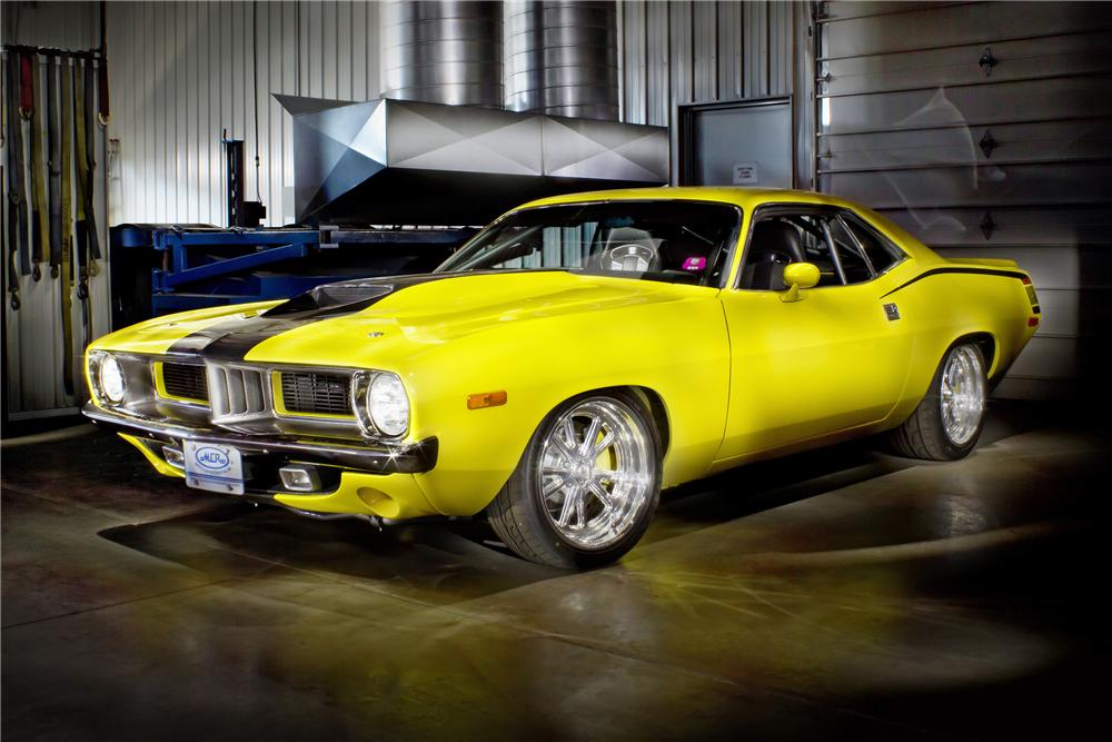 1972 PLYMOUTH BARRACUDA CUSTOM 2 DOOR COUPE - Front 3/4 - 137554