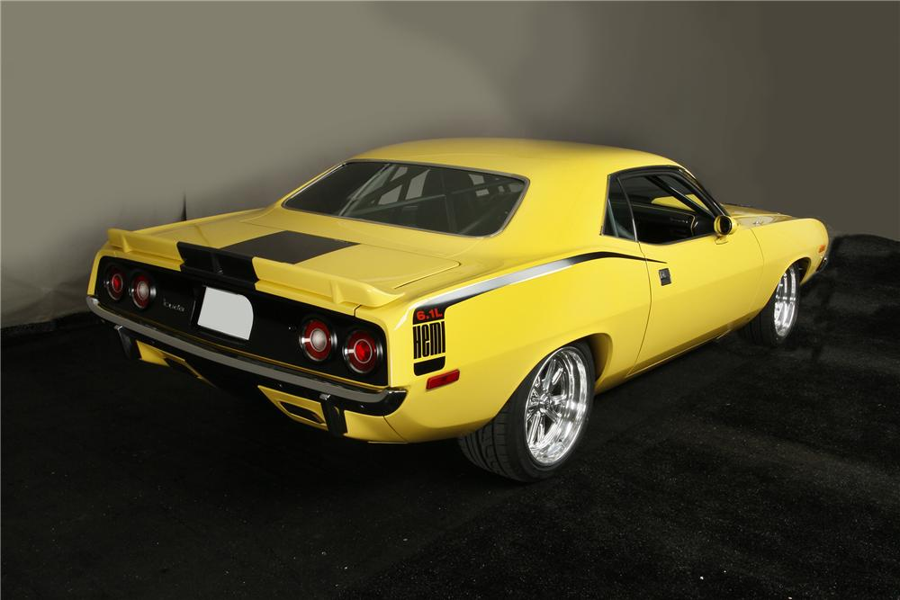 1972 PLYMOUTH BARRACUDA CUSTOM 2 DOOR COUPE - Rear 3/4 - 137554