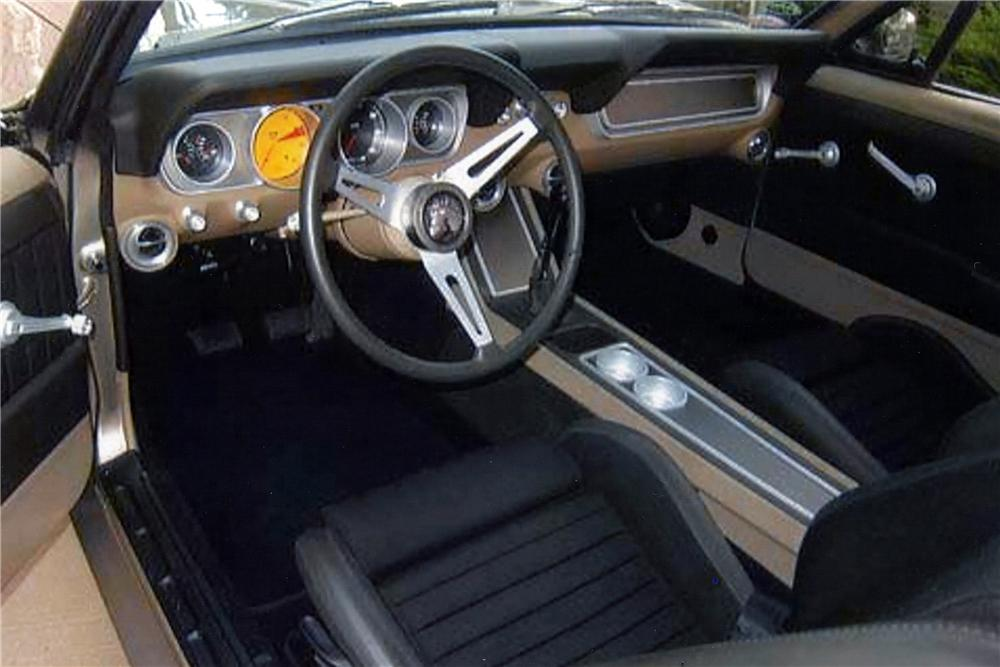 1966 FORD MUSTANG CUSTOM FASTBACK - Interior - 137559