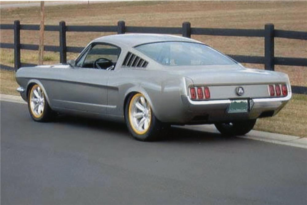 1966 FORD MUSTANG CUSTOM FASTBACK - Rear 3/4 - 137559