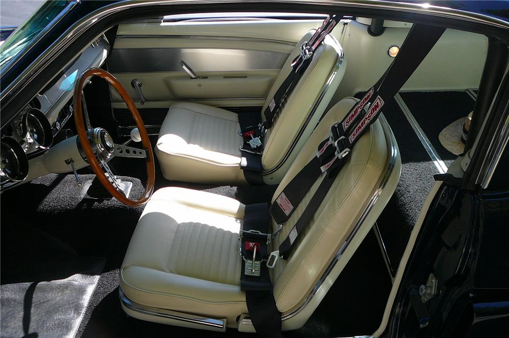 1967 SHELBY GT500 FASTBACK - Interior - 137560