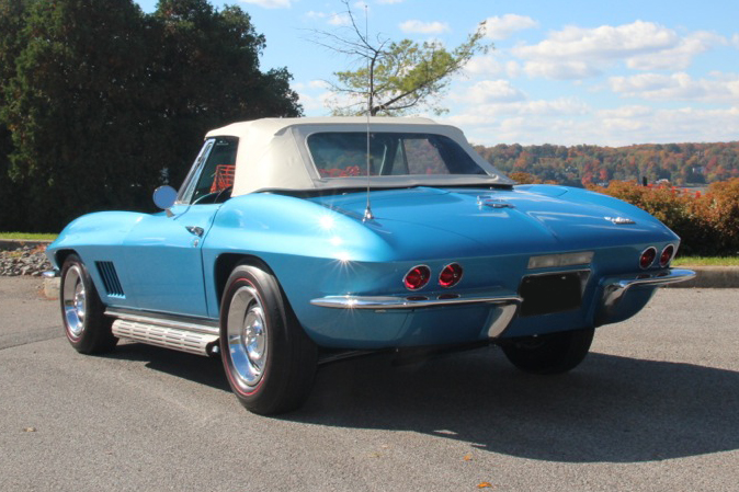 1967 CHEVROLET CORVETTE CONVERTIBLE - Rear 3/4 - 137577