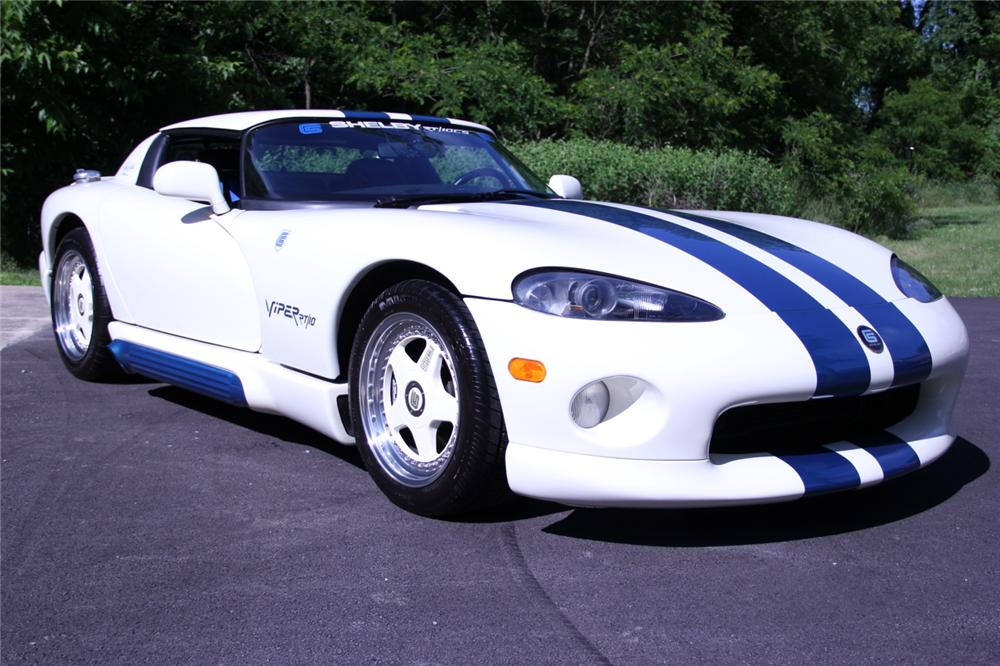 1995 DODGE VIPER RT/10 ROADSTER - Front 3/4 - 137586