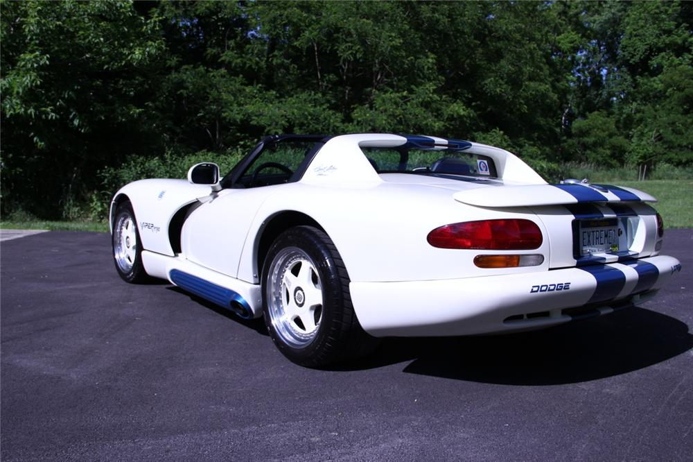 1995 DODGE VIPER RT/10 ROADSTER - Rear 3/4 - 137586