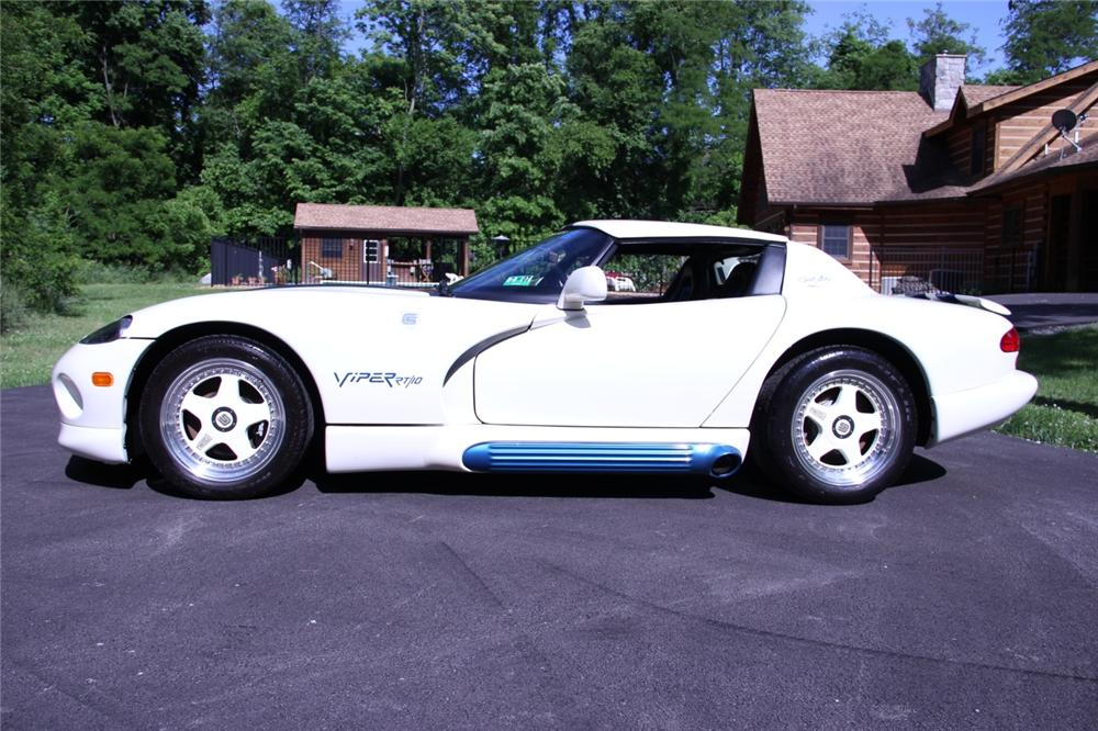 1995 DODGE VIPER RT/10 ROADSTER - Side Profile - 137586