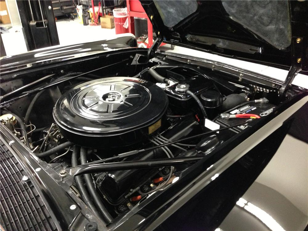 1961 LINCOLN CONTINENTAL CONVERTIBLE - Engine - 137602