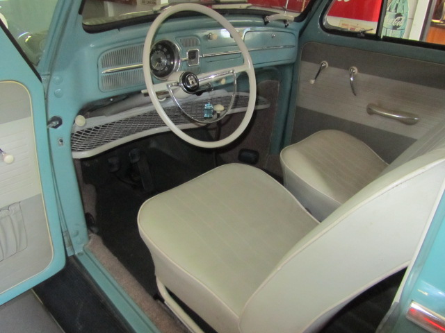 1962 VOLKSWAGEN BEETLE 2 DOOR COUPE - Interior - 137604