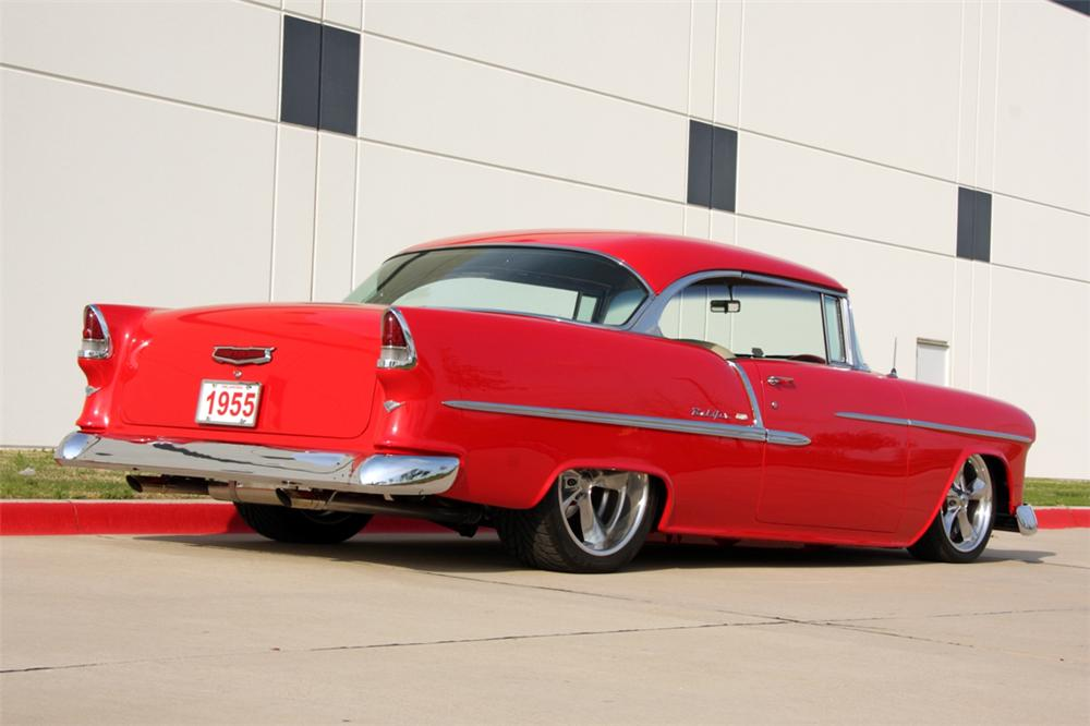 1955 CHEVROLET BEL AIR CUSTOM 2 DOOR HARDTOP - Rear 3/4 - 137607