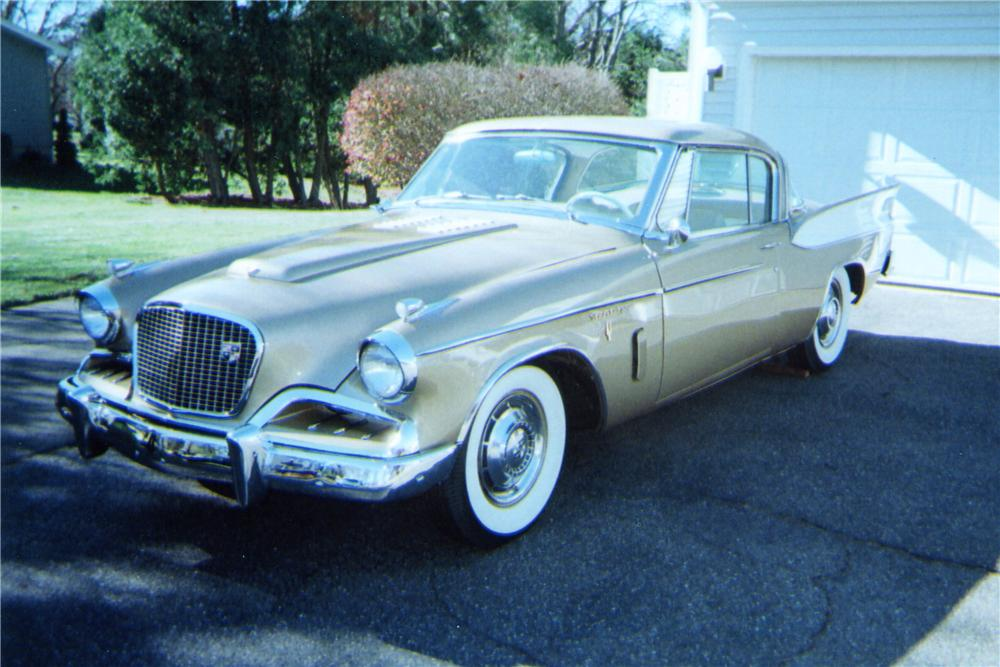 1957 STUDEBAKER GOLDEN HAWK 2 DOOR HARDTOP - Front 3/4 - 137647