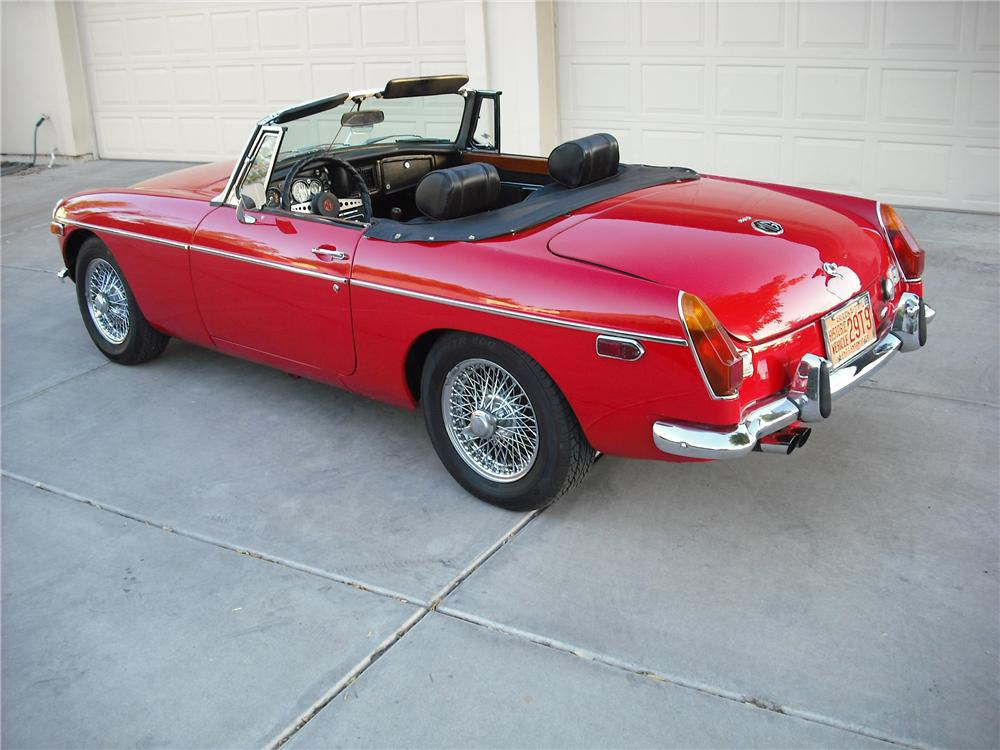 1972 MG B ROADSTER - Rear 3/4 - 137649