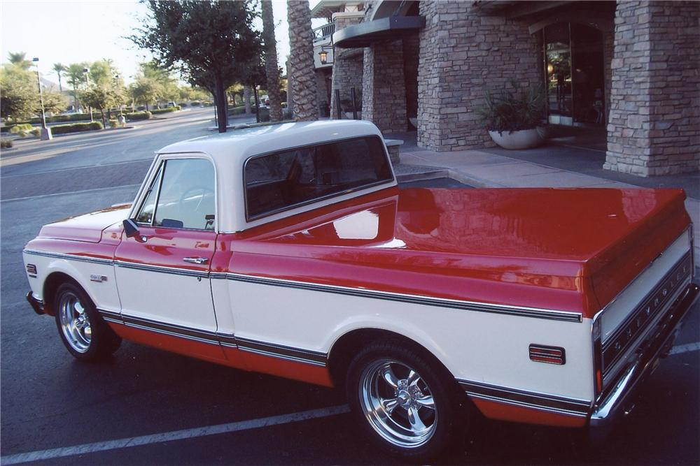 1972 CHEVROLET C-10 PICKUP - Rear 3/4 - 137659