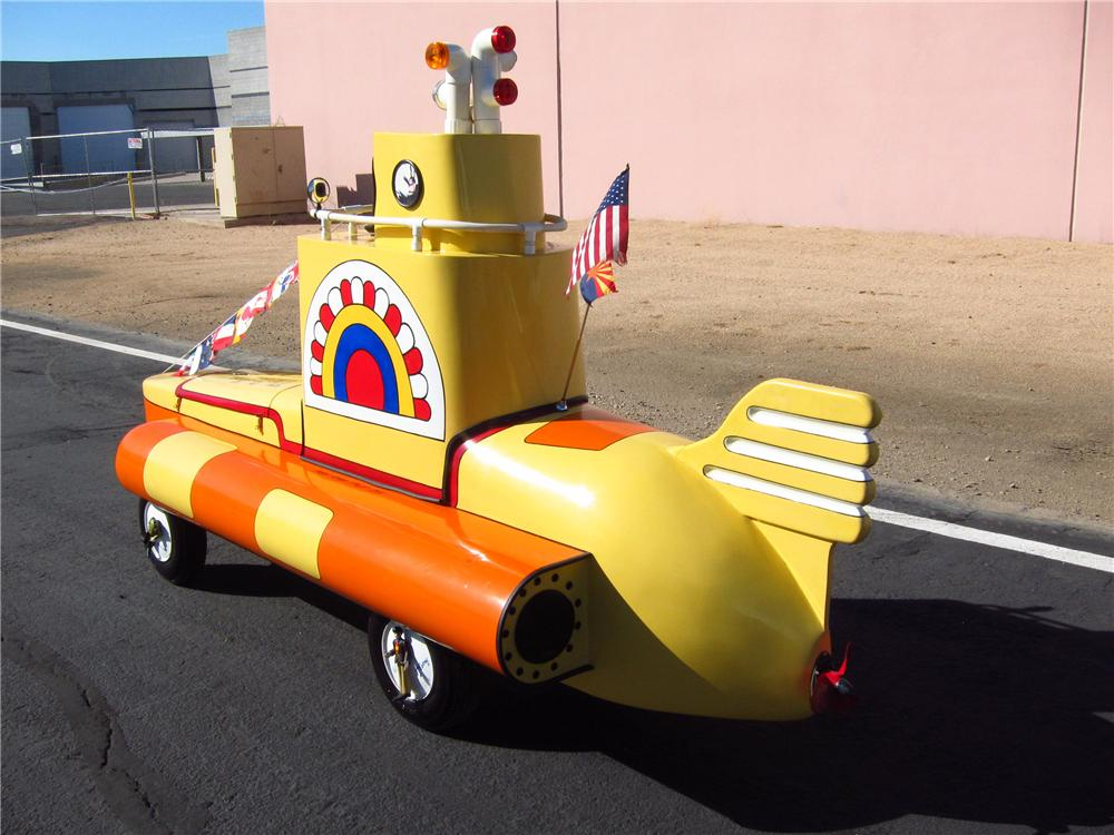 0 MOTORIZED YELLOW SUBMARINE - Rear 3/4 - 137677